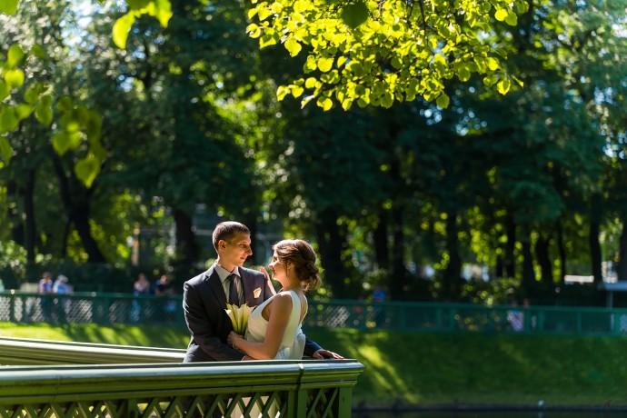 Свадебная фотография. Летний сад