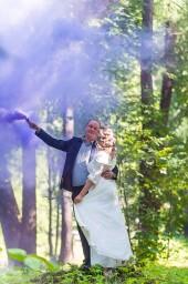 Свадебная фотосессия с цветным дымом в парке Елагин острова