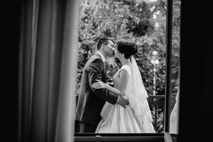 черно-белое свадебное фото 98529bb1