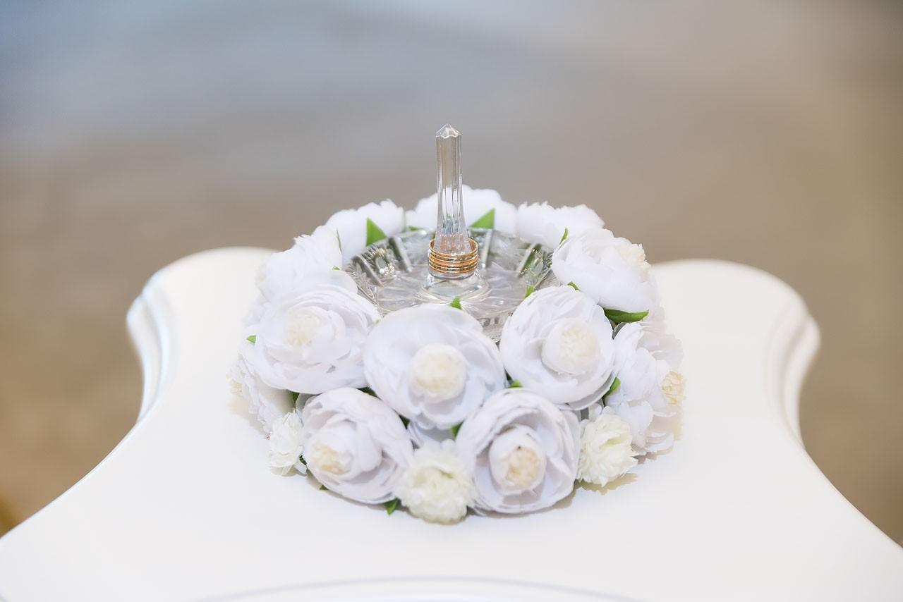 Дворец бракосочетания №1 - обручальные кольца на подставке