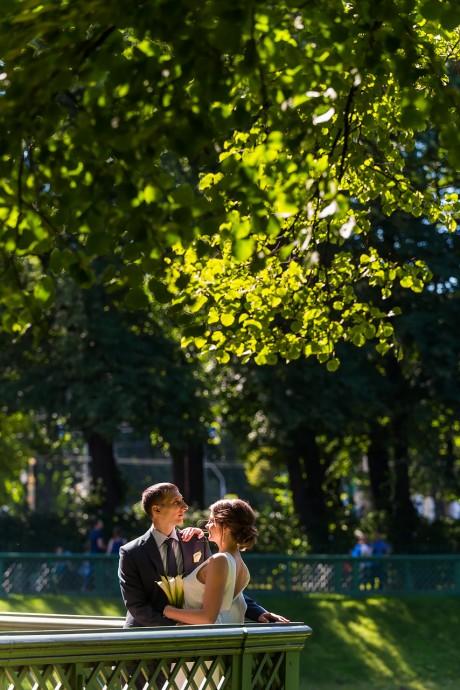 Свадебная фотосессия в летнем саду