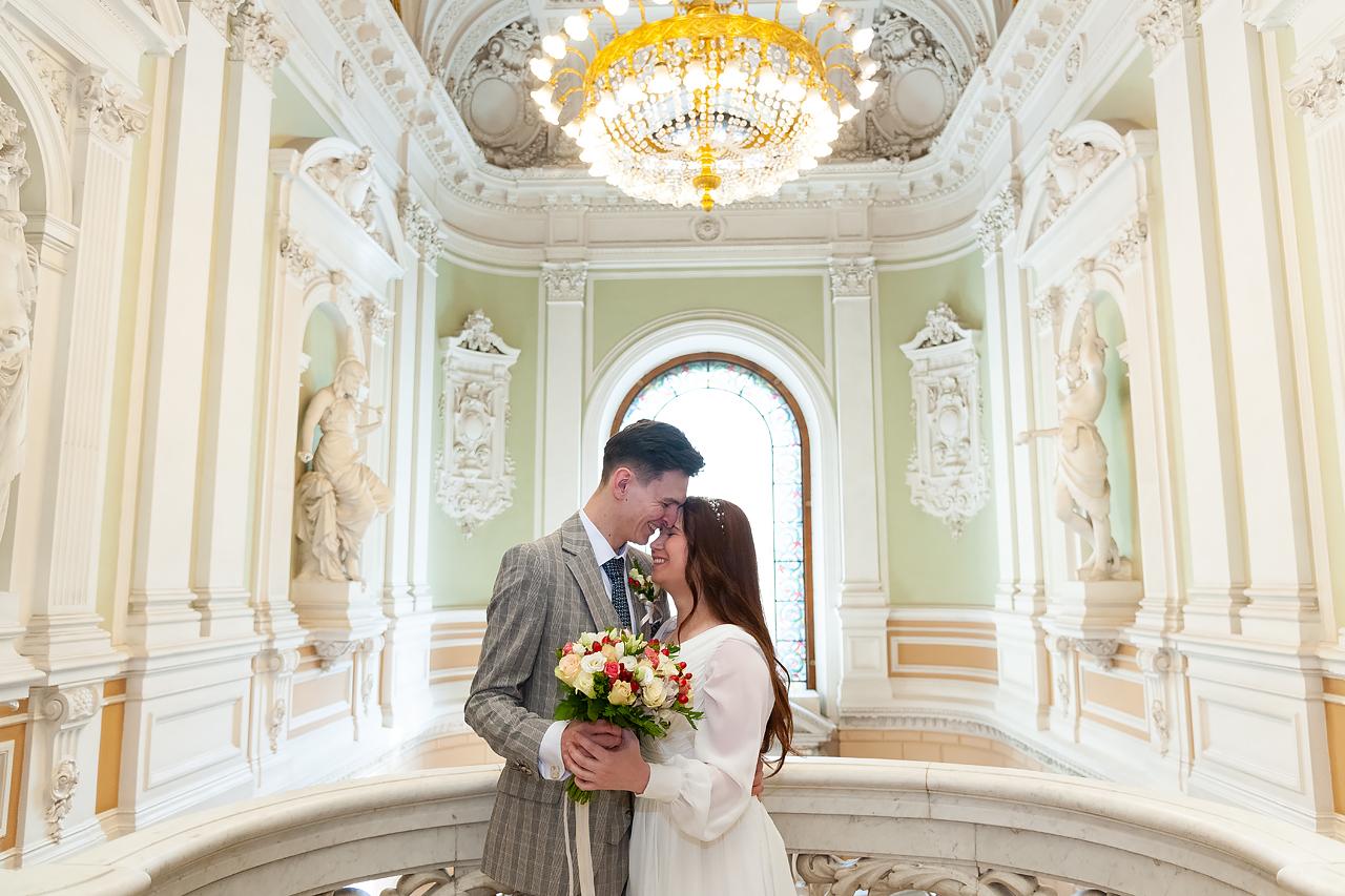 Жених и Невеста во Дворце бракосочетания №1